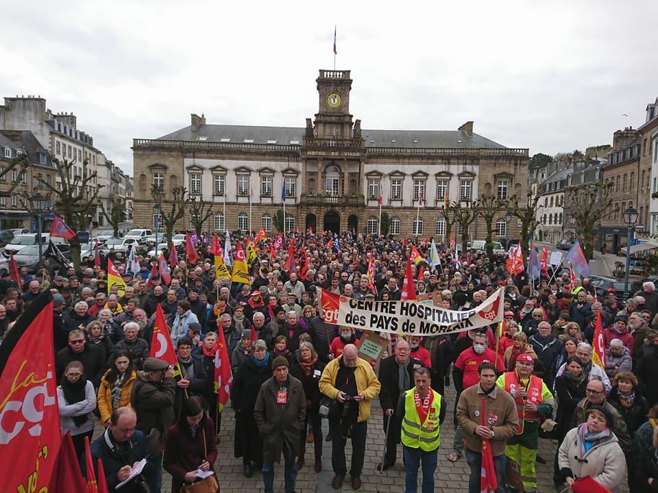 Rassemblement devant la mairie de Morlaix 22 mars 2018